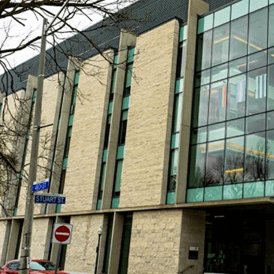 Queen's University building